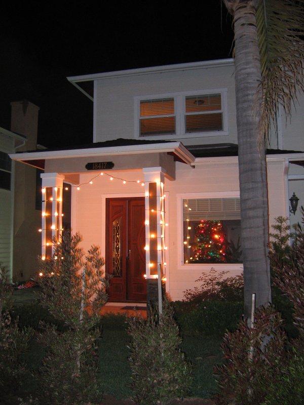 Dan's Christmas light creation (with flash)