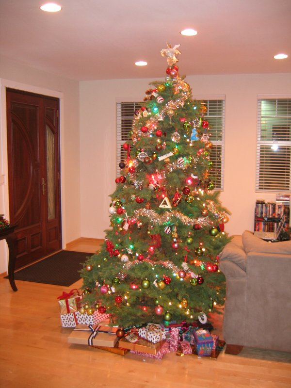 Christmas tree with presents!